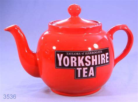 Yorkshire Tea 2 Pint Capacity Tea Pot: Collectable China