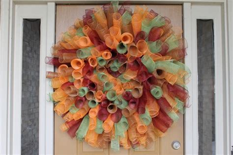 how to make wreaths how to make a curly deco mesh wreath miss kopy kat
