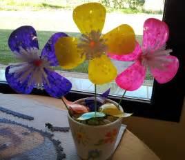 flores vasos de plastico de cafe papel macetas manualidades dia de la flores con botellas de pl 225 stico en 10 minutos mpg youtube