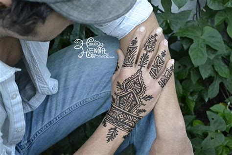 henna tattoo hand man healing henna painting san francisco bay area