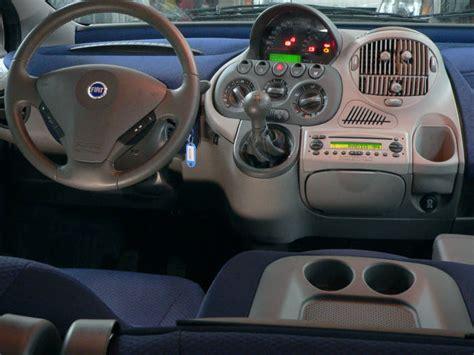 Ugliest Car Interiors by La Fiat Multipla N Est Pas Moche N A Pas Un Physique