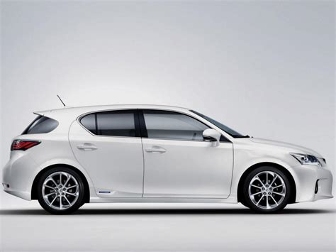 Lexus Fuel Economy by Lexus Ct Technical Specifications And Fuel Economy