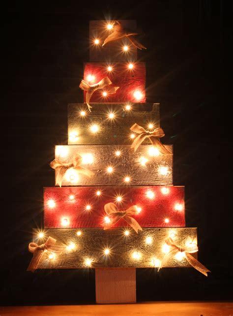 christmas tree light pole wood no build pallet wood tree thecraftpatchblog