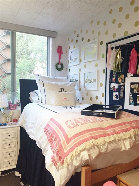 the images collection of decor dorm tours pinterest interior design ideas interior black and dorm room tour