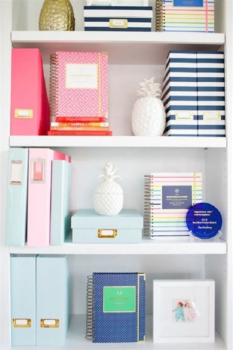Desk Organization Tips Get Your Stuff Your Desk Out Of Your Way Offices Clock And Metallic Colors