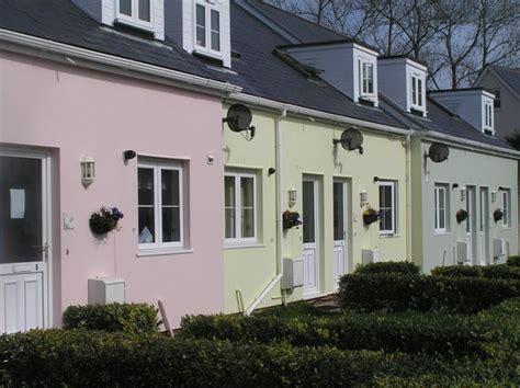 ellingham self catering cottages guernsey st martins
