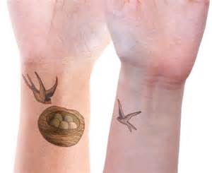 18 cute matching mother and daughter tattoo ideas