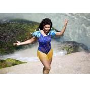 Juliana Alves Tirou O F&244lego De Alguns Banhistas Na Praia Do Arpoador