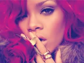 California King Bed Album Rihanna Loud Album Booklet 2010 Hq 03 Gotceleb