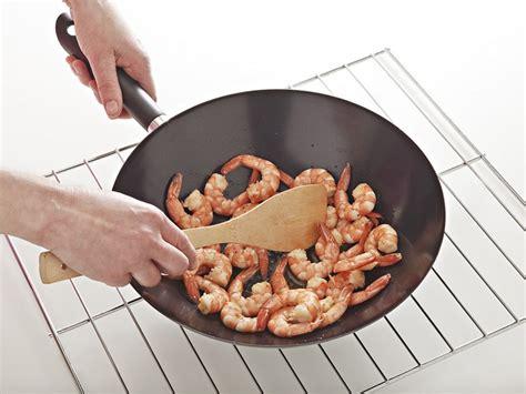 come cucinare con il wok come si usa il wok sale pepe