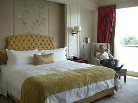 grand king bed grand deluxe king bed picture of the st regis singapore