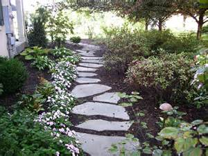 landscape stepping stones using stepping stones in your landscaping tomlinson