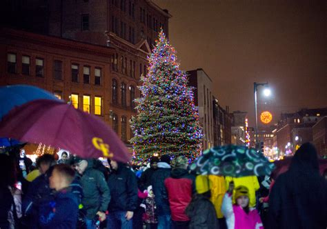 portland kicks off holiday season with tree lighting in