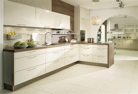Wandgestaltung Badezimmer 3695 die besten 25 k 252 che magnolie ideen auf joanna