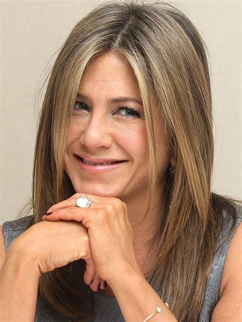 Country Home Decor Magazines by Jennifer Aniston Refers To Her Engagement Ring As A Rock
