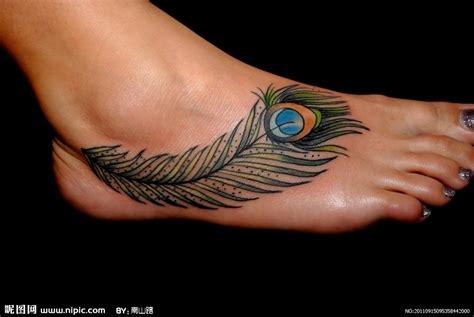 tattoo fixers peacock feather 美女美脚的孔雀羽毛纹身摄影图 娱乐休闲 生活百科 摄影图库 昵图网nipic com