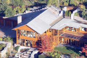 Bill Gates House Seattle by Revealed Bill Gates Added 7billion To His Wealth In 2012