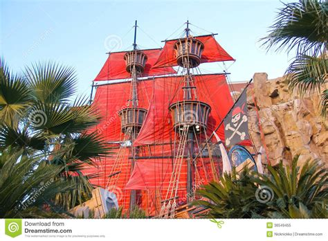 pirate themed hotel vegas pirate ship at pond near treasure island hotel in las