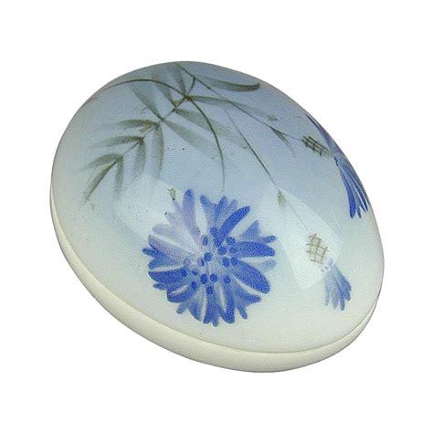 Neckales Egg Yolk Flower Unique Limited Edition Branded 1989 and grondahl porcelain egg trinket box ltd ed greatvintagestuff ruby