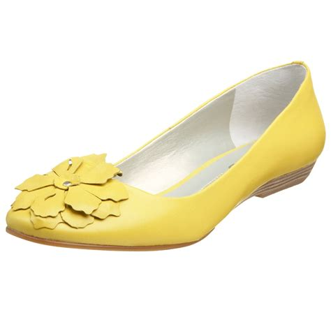 yellow shoes yellow shoes colors photo 34543541 fanpop