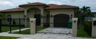 Modern Baby Gate Nova Fence Miami Fence Contractor 305 586 2904