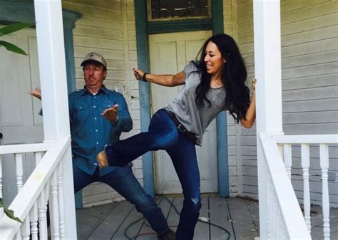 mackenzie pages fixer upper on hgtv and how to get the look chip and joanna gaines the photos you need to see heavy