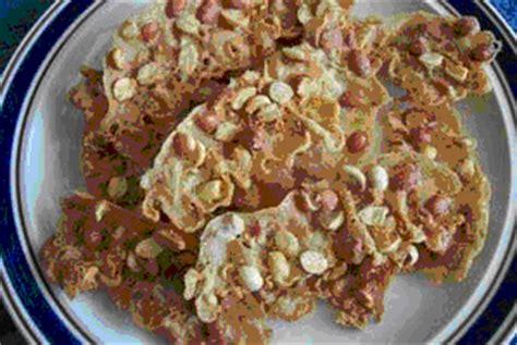 Peyek Kacang By Oleh Oleh Sowan aneka rempeyek resepnya