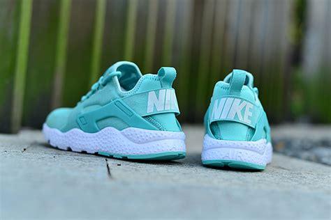 mint green athletic shoes 2015 nike air huarache mens running shoes mint green