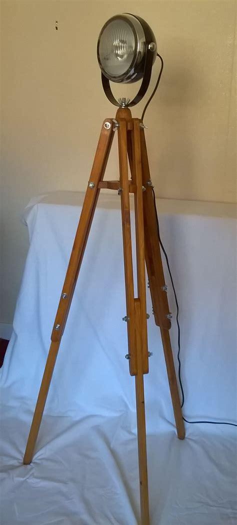 pallet wood tripod  vintage style headlight lamp