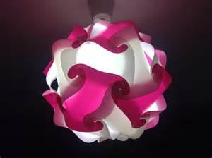 luminaire sphere et blanche le puzzle chambre d