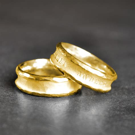 Ausgefallene Eheringe Gold by Pureform Eheringe Partnerringe Anders Gold 999