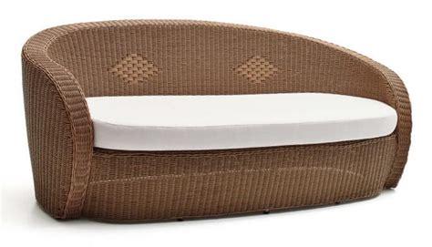 divani plastica divano in plastica intrecciata forme sinuose per esterno