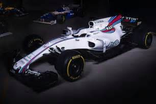 williams f1 new car f1 2017 williams shows images of fw40 in the flesh