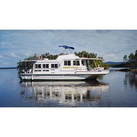 house boat noosa luxury afloat noosa house boats hire memorial park