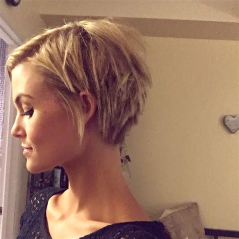 pixie haircut with a shag cut in back shaggy pixie cut www pixshark com images galleries