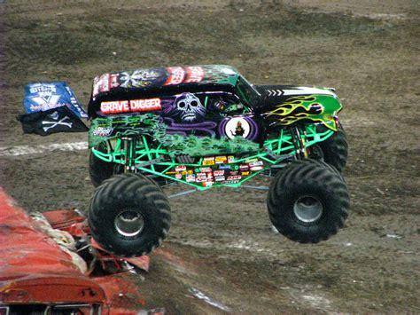 jams trucks jam raymond stadium ta fl 229