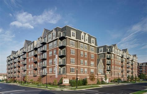 Square Appartments by Courthouse Square Apartments Rentals Wheaton Il