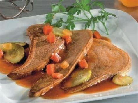 cuisine langue de boeuf langue de boeuf sauce piquante aux cornichons recette de