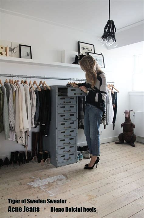 Walk In Closet Clothing by Diy Clothing Rack Bedroom