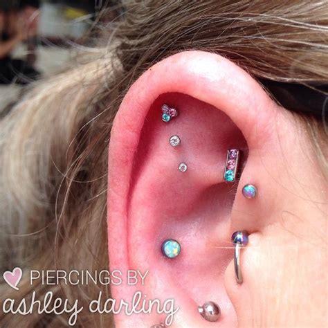 piercing interni 1000 ideias sobre piercing triplo interno de orelha no