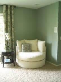 Comfy Reading Chair For Bedroom by Best 25 Comfy Reading Chair Ideas On Pinterest Reading