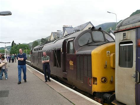 Fort William Sleeper by File Caledonian Sleeper At Fort William 2005 06 16 01 Jpg