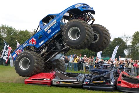 truck monster wallpaper crazy monstertrucks