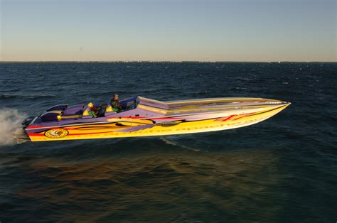 cigarette racing boat images cigarette racing wallpaper images reverse search