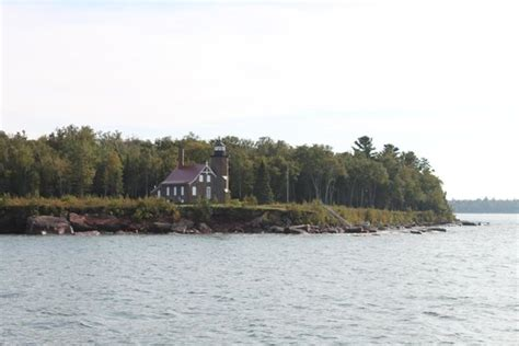 glass bottom boat bayfield wi sand island lighthouse picture of apostle islands cruise