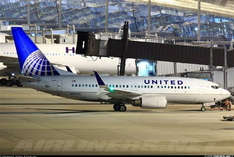 united airline sign in boeing 737 724 united airlines aviation photo 3870489 airliners net
