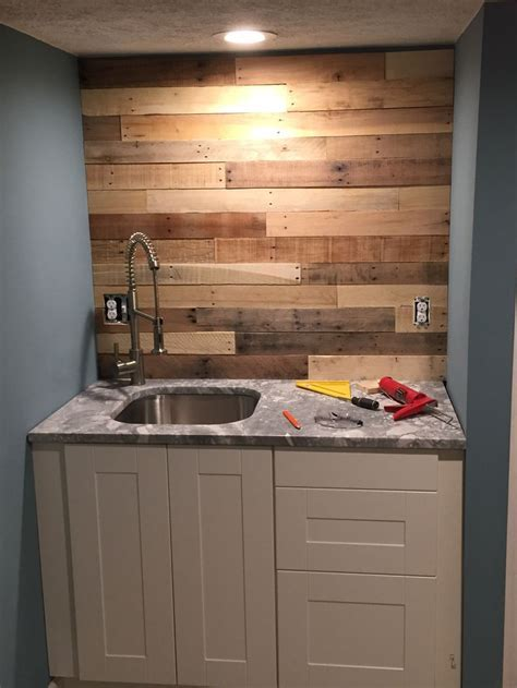 1000  images about Reclaimed Walls   Barn Wood & Pallet