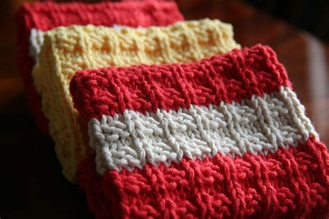 waffle knit dishcloth pattern en francais waffle knit dishcloth by wool winder via flickr