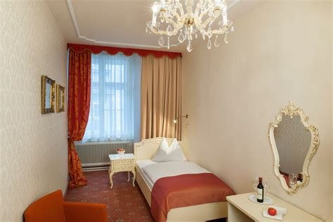 deluxe single room rooms rates pertschy palais hotel