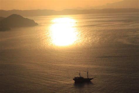 Jam Tangan Kerlap Kerlip Hitam enjoy labuan bajo with nivea sun adventure enjoythesun